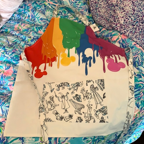 NWT Disney Ink and Paint Youth Apron